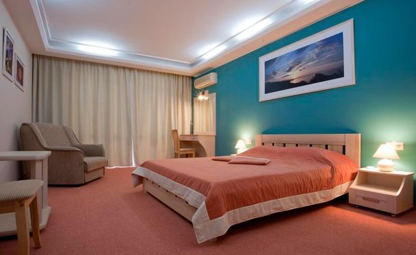 Скидка на Проживание для двоих в номере с видом на море в гостинице «Санта Барбара» в Алуште