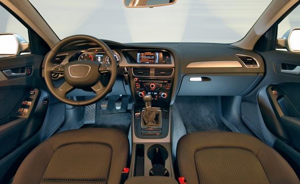 Комплексная химчистка салона легкового автомобиля в автомойке «Шинка-112»: химчистка напольного покрытия, обивки всех сидений, обшивки багажника, уборка салона пылесосом и многое другое. Скидка 50%