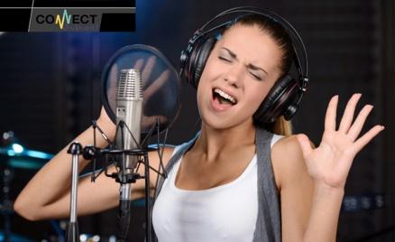 Занятия вокалом в Connect School